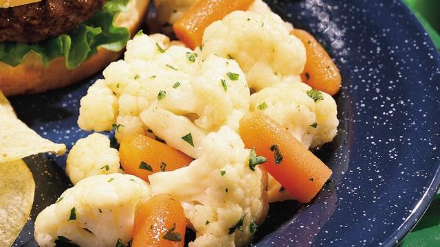 Cumin-Marinated Cauliflower and Carrot Salad