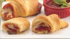 Pepperoni 'n Cheese Crescents Recipe