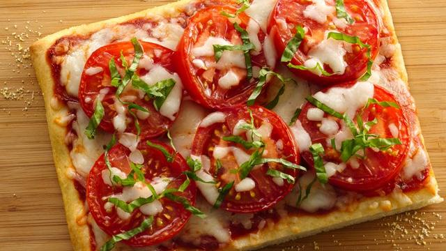 Fresh Caprese Pizza