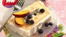 Peaches and Blueberry Ice Cream Cake Recipe