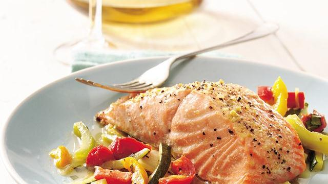 Basil Salmon and Julienne Vegetables Recipe