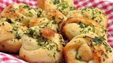 Italian Garlic Knots Recipe