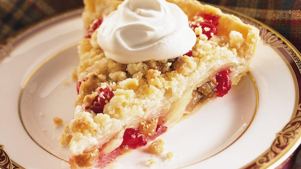 Streusel-Topped Apple, Cranberry and Fig Tart