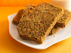 Lemony&#32;Carrot-Walnut&#32;Bread