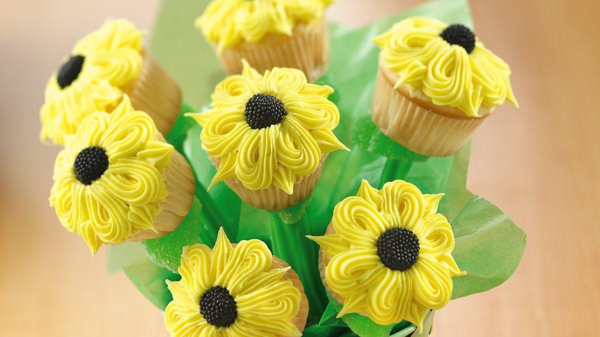 Bouquet de petits g teaux en tournesol vivre d licieusement - Bouquet de tournesol ...