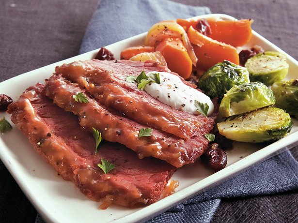 Slow Cooker Cranberry Corned Beef