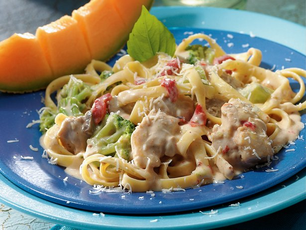 Slow-Cooker Easy Chicken Alfredo recipe from Betty Crocker