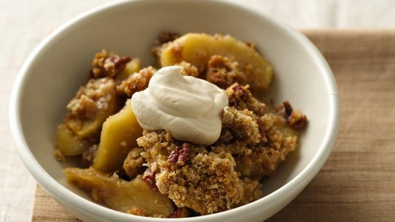 Cardamom Apple Crisp with Caramel Cream
