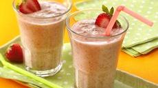 Fiber One® Strawberry Smoothies Recipe