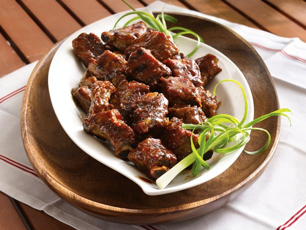 Slow Cooker Grilled Spicy Chili-Glazed Riblets