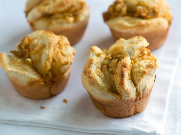 Chile and Cheese Biscuit Cups