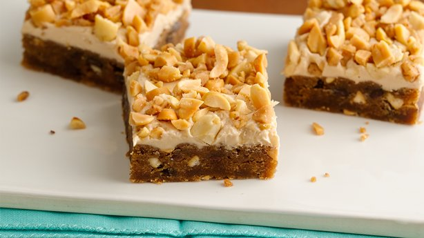 Sweet and Salty Chocolate Chip-Maple-Peanut Bars