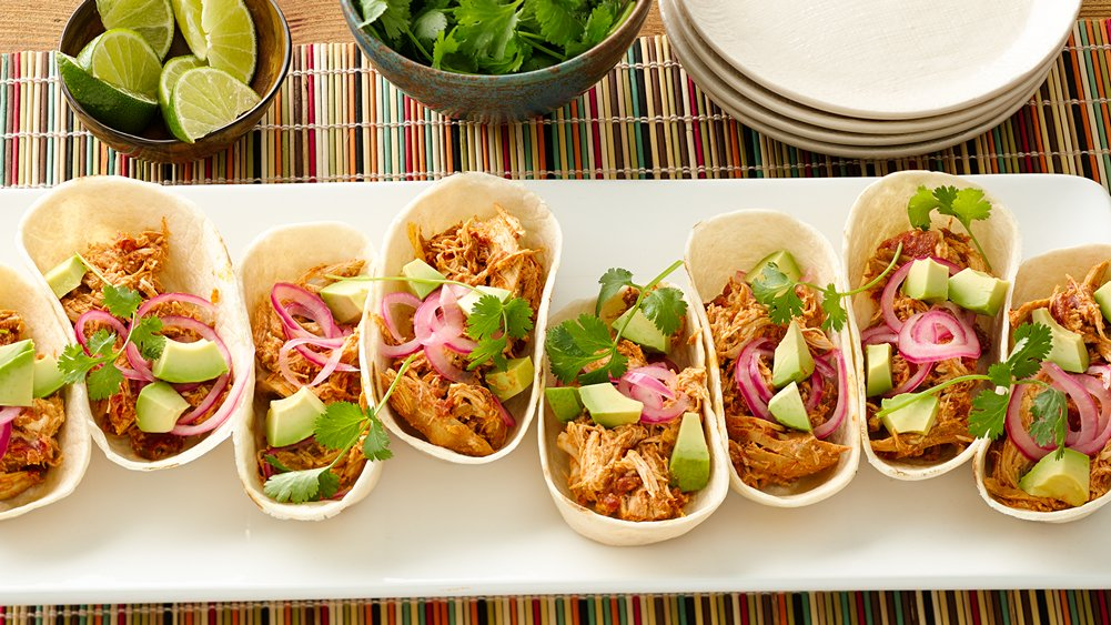 Slow-Cooker Creamy Chicken and Green Chile Tacos recipe from Pillsbury ...