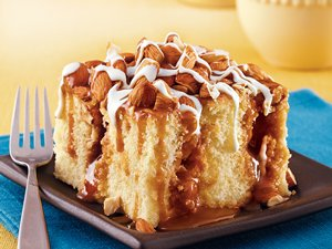 Caramel&#32;Almond&#32;Poke&#32;Cake