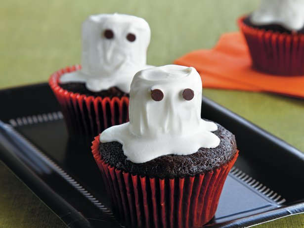 Chocolate Ghost Cupcakes
