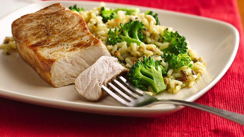 Pork Chops with Broccoli and Rice