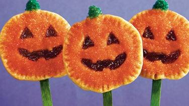 Jack-o'-Lantern Pie Pops