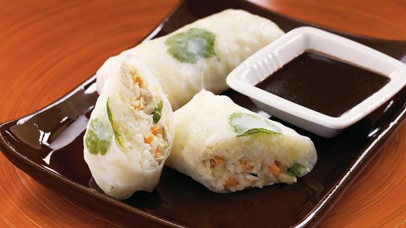 Chicken Spring Rolls with Hoisin Sauce