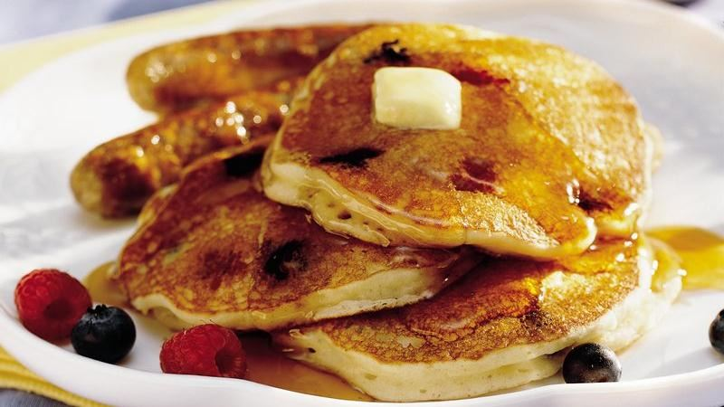 Bumbleberry Pancakes recipe from Betty Crocker
