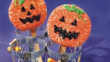 Jack-o'-Lantern Sugar Cookie Pops