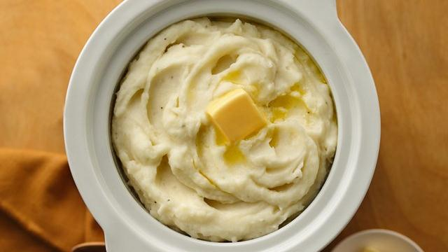 Ultimate Slow Cooker Mashed Potatoes