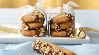 Maple-Walnut Shortbread Cookies