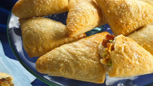 Crescent Bacon Cheesy Triangles