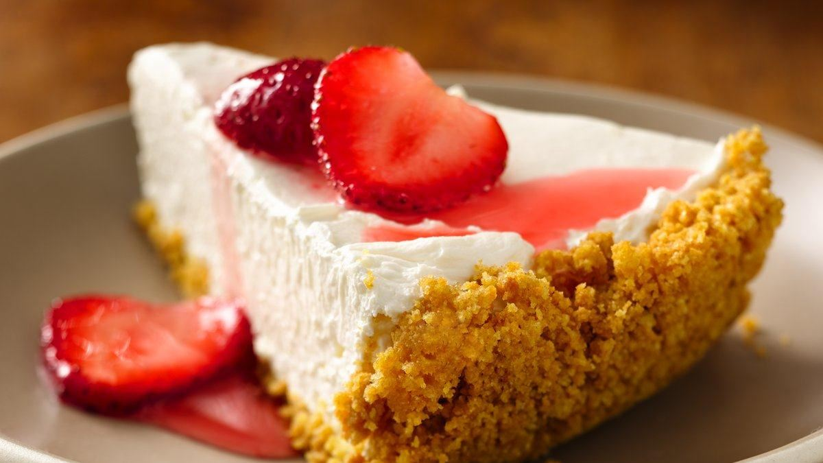 Strawberry Greek Yogurt Cheesecake (No Bake Style) - Life Made ...