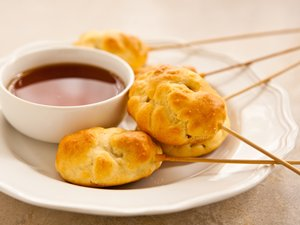 Pig-in-a-Pancake Pops