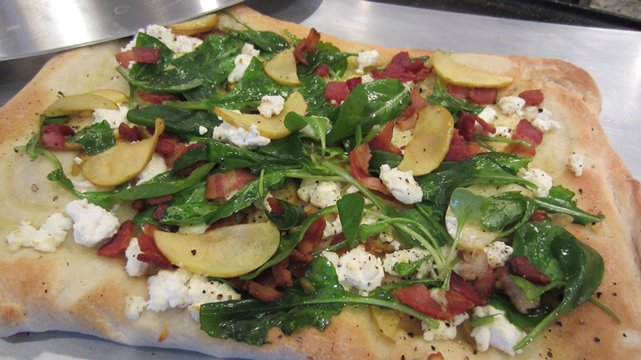 Image of Arugula, Goat Cheese And Bacon Pizza, Pillsbury