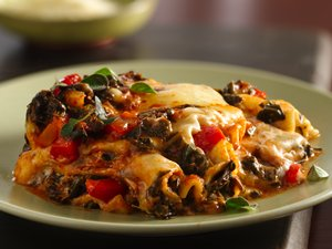 Slow&#32;Cooker&#32;Red&#32;Pepper-Spinach&#32;Lasagna