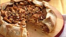 Cinnamon-Apple Crostata Recipe