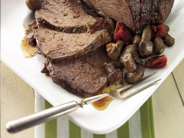 Slow Cooker Garlic and Mushroom Beef Roast