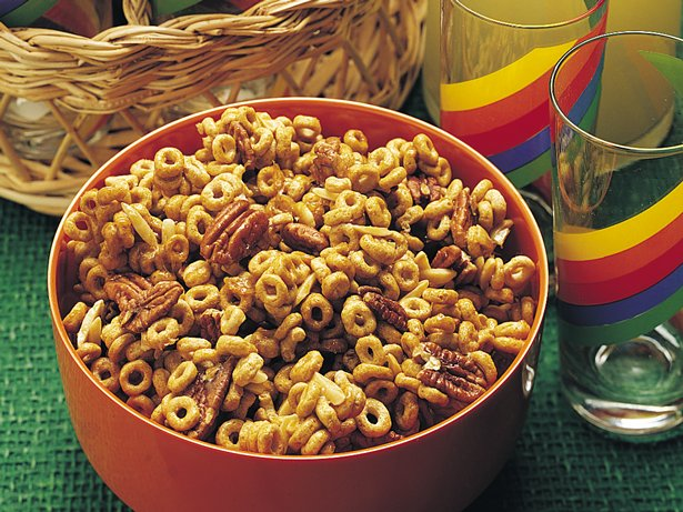 Sweet 'n Nutty Cereal Munch