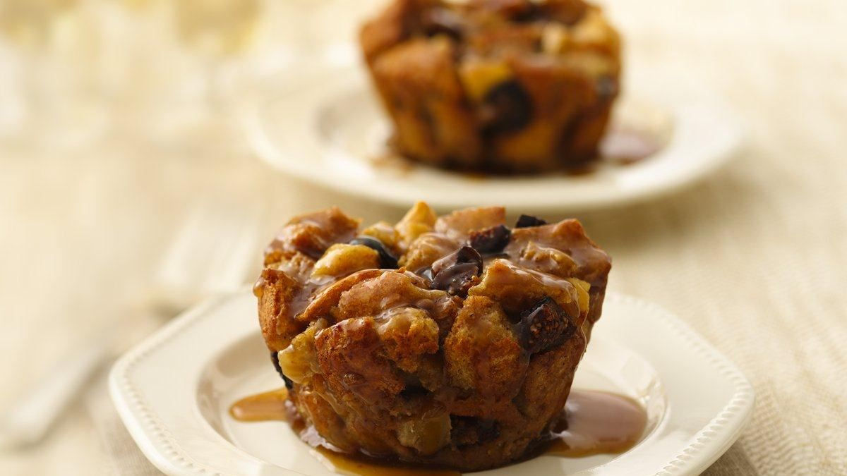Apple-Fig Bread Pudding Cupcakes with Maple Sauce - Life Made ...