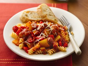 Slow&#32;Cooker&#32;Italian&#32;Sausages&#32;and&#32;Peppers&#32;with&#32;Rotini