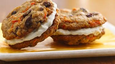 Easy Carrot-Cake Sandwich Cookies