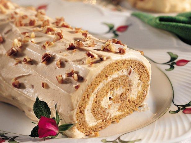 Spiced Pumpkin Praline Roll Recipe From Betty Crocker