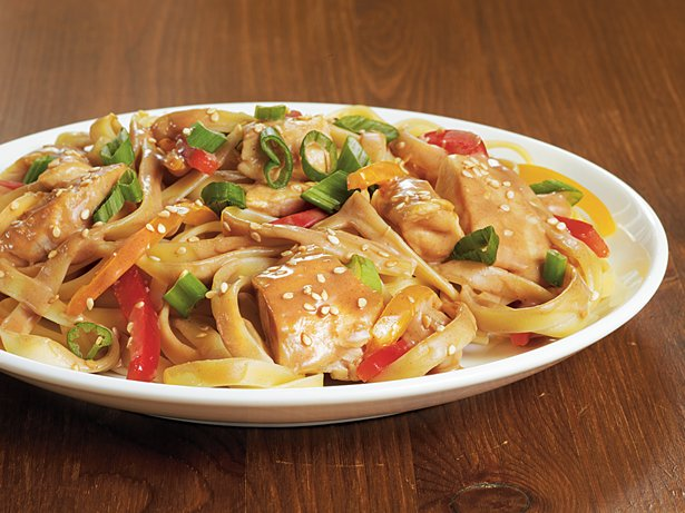 Sesame-Peanut Chicken Lo Mein