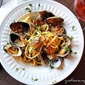 Clam Linguine with Garlic White Wine Sauce