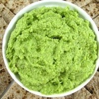Fabulously Healthy, Edamame, Spinach and Garlic Hummus For Summer Entertaining