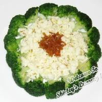 Egg-White Broccoli with Osmanthus