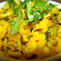 Image of Aloo Gobi-cauliflower And Potatoes-indian Style Recipe, Cook Eat Share