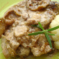 Creamy pork with apple chips