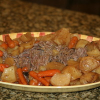 Crock Pot Roast and Potatoes