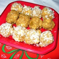 Graham Cracker Snowballs (a no-cook confection)