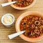 Slow Cooker Recipe for Cabbage Soup with Tomatoes, Chicken-Garlic Sausage, and Parmesan