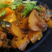 Image of Aloo Kaanda Bhajee (potatoes In Sweet Onion Sauce) Recipe, Cook Eat Share