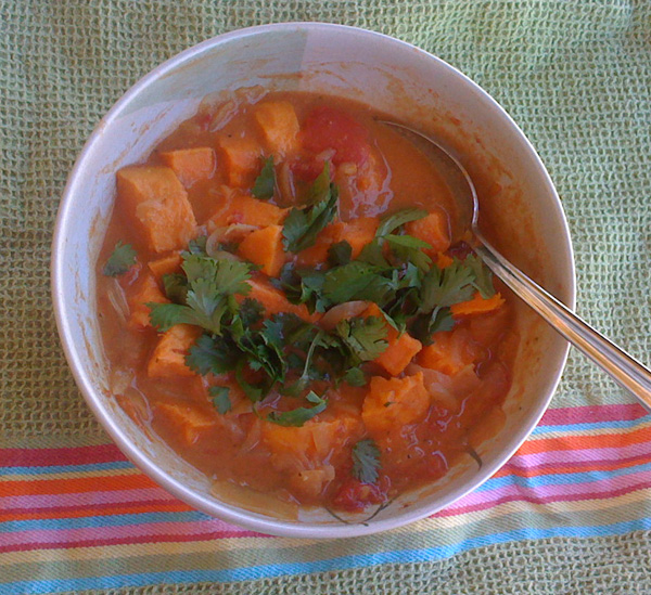 Curried Peanut and Tomato Soup Recipe by Gloria - CookEatShare