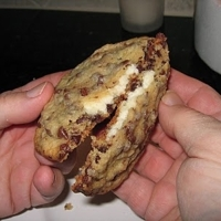Image of Aphrodisiac Cream Cheese-stuffed Chocolate Chip Cookies Recipe, Cook Eat Share